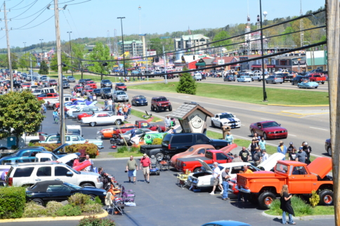 Fords Take Over The Strip At The Pigeon Forge Rod Run