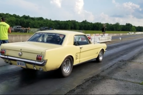 Turbocharged Classic Sleeper 'Stang Run Eights On The Quarter Mile